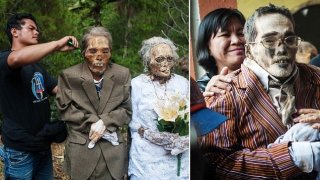 Η φυλή Torajan στο νησί Sulawesi τους Νεκρούς αντί να τους Θάψουν, Κρατάνε τα Πτώματα τους σαν μέρος της οικογένειας