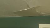 Αν Έχετε Ρωγμή σε Τοίχο από Γυψοσανίδα, Τότε θα Χαρείτε που Γνωρίζετε Αυτή την Εύκολη Επιδιόρθωση