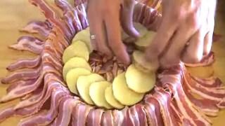 Αυτή η απίστευτη τάρτα με πατάτες, μπέικον και λιωμένο τσένταρ θα σε κάνει να τρέξεις στην κουζίνα!