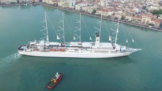 Το μεγαλύτερο ιστιοφόρο στον κόσμο έφτασε στο λιμάνι της Χίου.