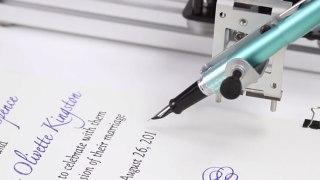 Αυτό το ρομποτικό μηχάνημα γραφής θα σας καθηλώσει (Video)