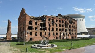 Πτήση πάνω από το μοναδικό κτίριο που παρέμεινε όρθιο μετά τη φονική πολιορκία του Στάλινγκραντ [Βίντεο]