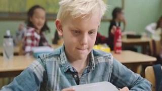 «Να νοιάζεστε για τον άλλον»: Ένα συγκινητικό βίντεο για την αξία του να μοιράζεσαι