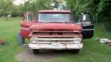 Οι γονείς του του έδωσαν ένα παλιό Chevy φορτηγάκι του 1965 ως δώρο αποφοίτησης μεταμόρφωσε στο όχημα των ονείρων του (Βίντεο)