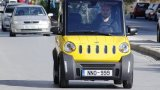 Είναι Ελληνικό! «Καίει» μόλις 1 ευρώ ανά 100 χλμ και παρκάρει σε θέση… κάδου!! (Βίντεο)