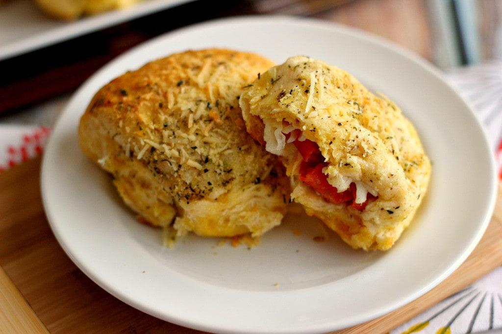 stuffed-pizza-rolls5