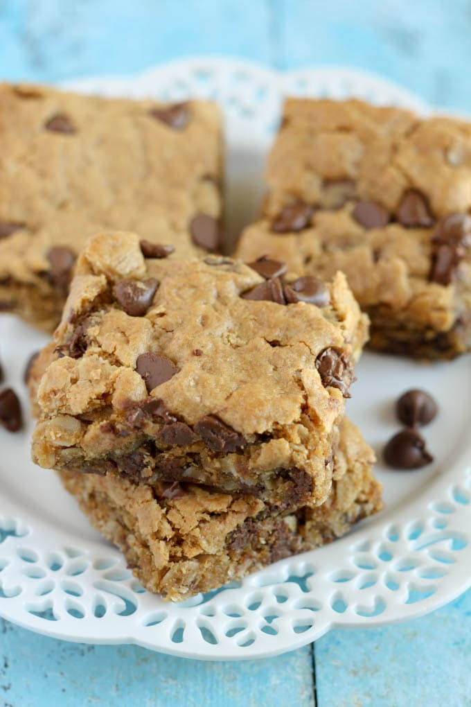 dbbe19ac055c Healthy Peanut Butter Chocolate Chip Oatmeal Bars