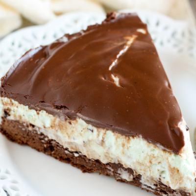 Mint Chocolate Chip Ice Cream Brownie Pie