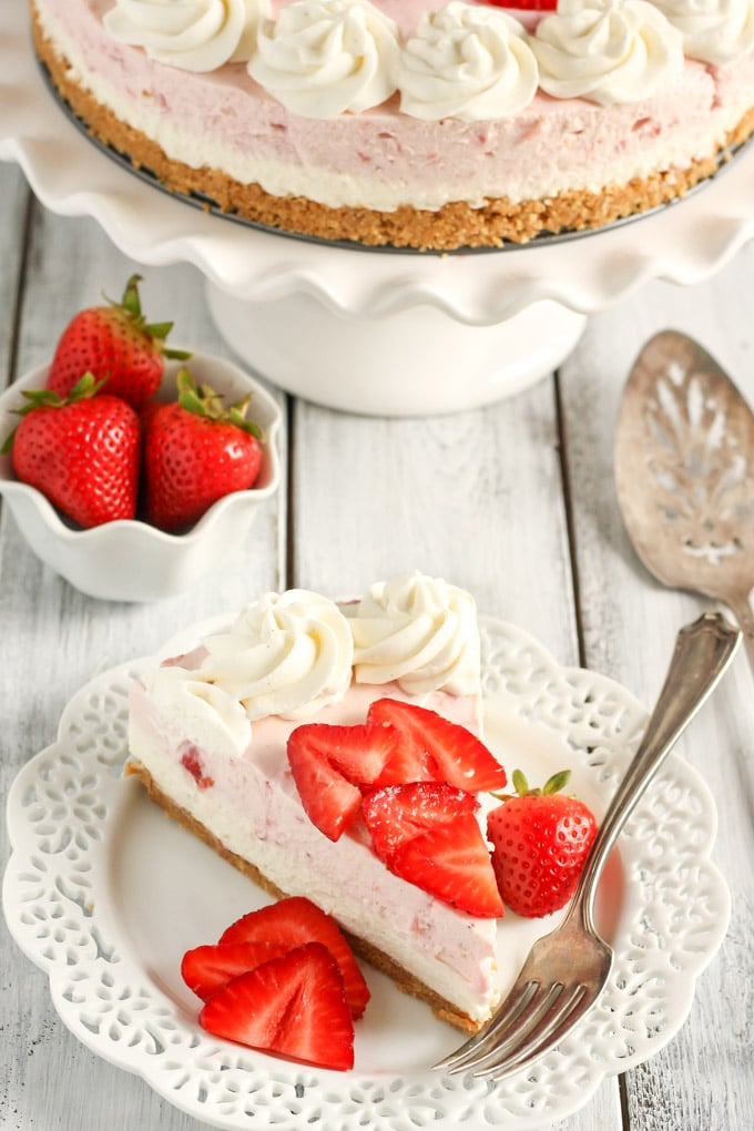 Strawberry Cake With Graham Cracker Crust