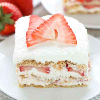 No-Bake Strawberry Cheesecake Icebox Cake