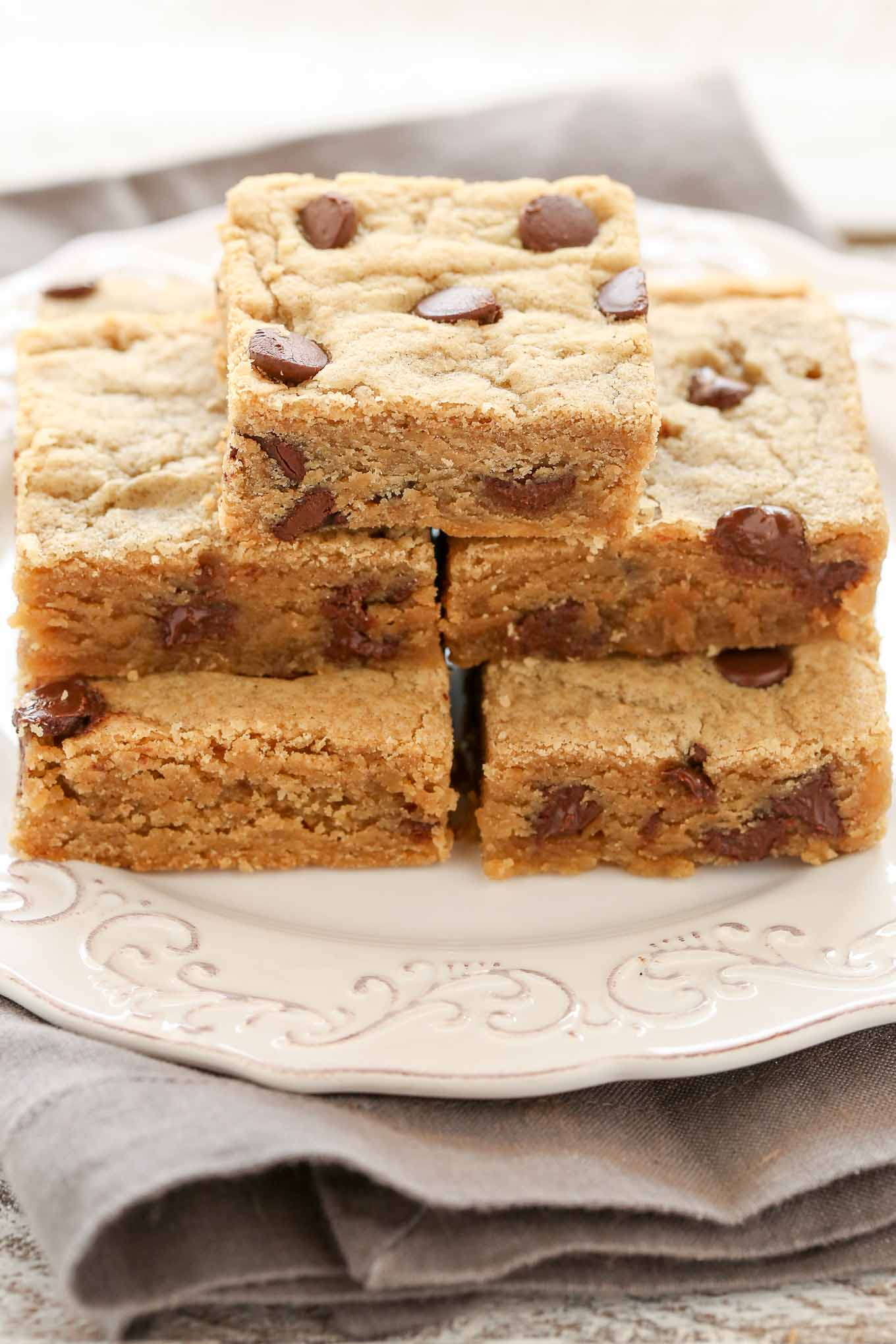 These Peanut Butter Chocolate Chip Blondies are incredibly easy to make, dense, chewy, and loaded with peanut butter and chocolate chips. The perfect easy dessert to enjoy any time of year!