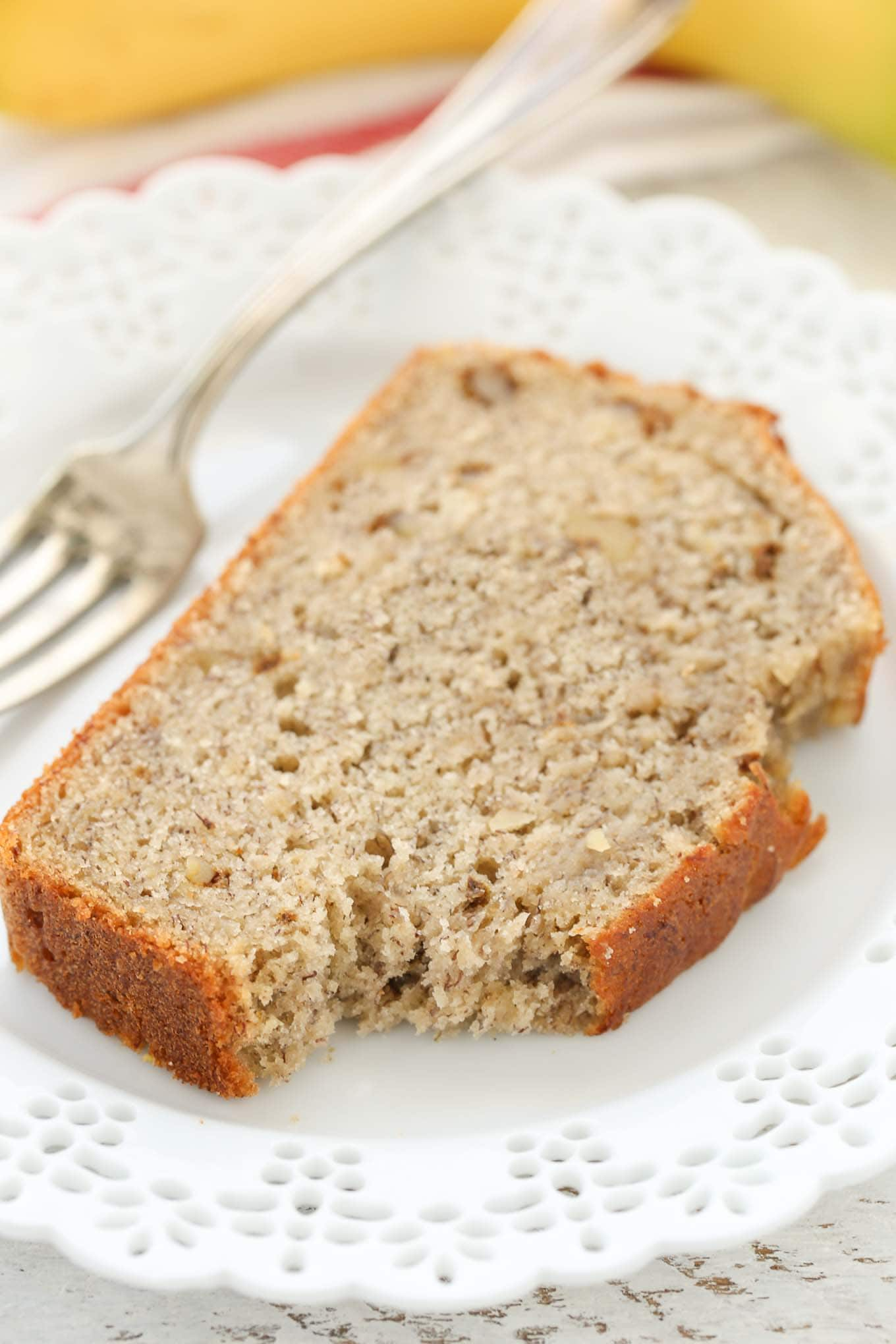 This Classic Banana Bread is perfectly sweet, moist, and full of flavor! You can enjoy this bread plain, with chopped walnuts, or even chocolate chips. Perfect for breakfast or dessert!