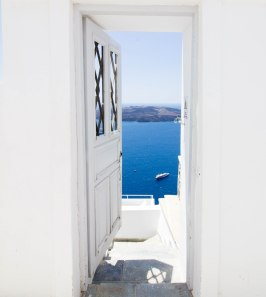 door-ocean-santorini-white-greece