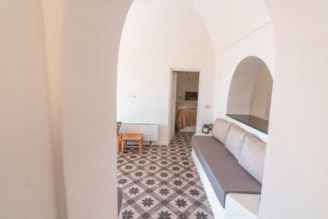airbnb-perissa-santorini