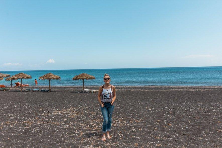 black-beach-perissa