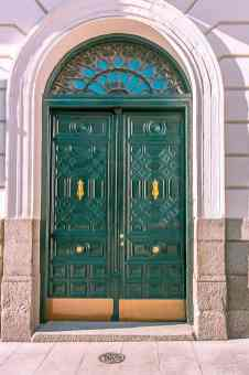 door in barcelona