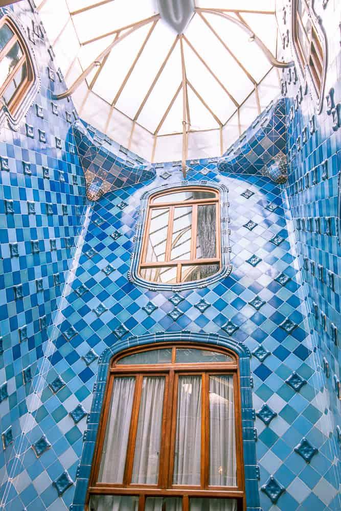 barcelona Casa Batlló-blue tiles