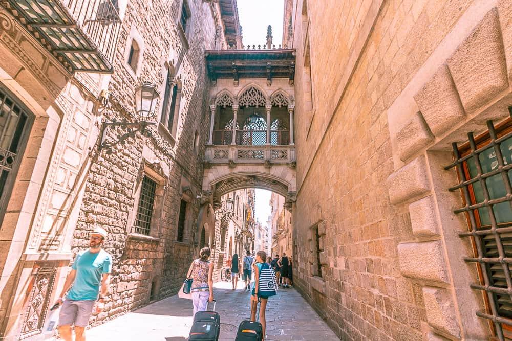 barcelona barri gotic street