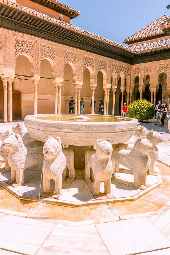 granada - alhambra fountains