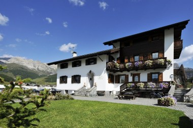 livigno ski accommodation