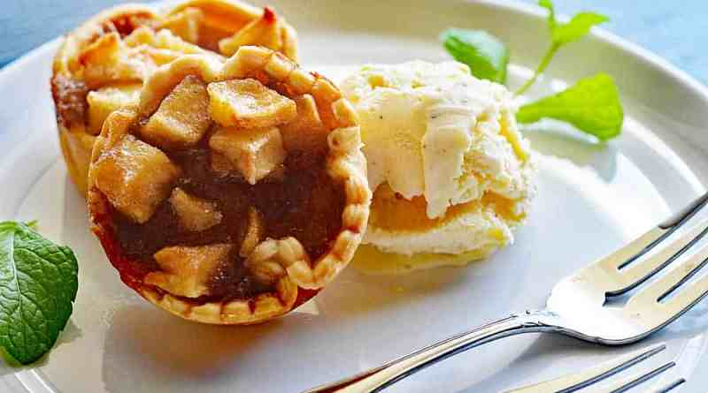 Mini Vegan Apple Pies
