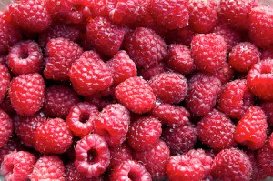 Raspberries by Mbeo