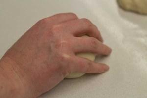 meimanrensheng.com knocking back dough balls-6