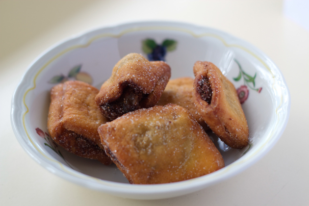 Strucchi (small bundles of fried puff pastry filled with dried fruit and grappa or rum from Udine)