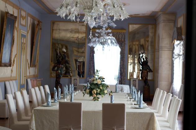Formal dining room in Castello di Spessa