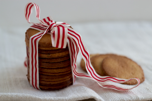 Tegole (hazelnut biscuits)