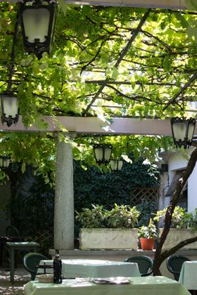 Courtyard inside Il Piemontese