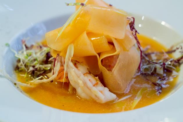 Zuppa di melone con gamberi (melon soup with prawns)