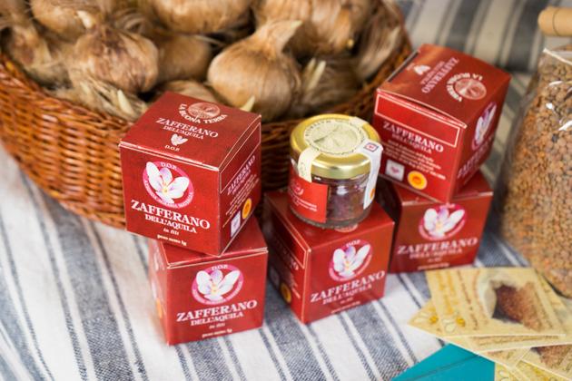 Saffron and saffron bulbs from Abruzzo