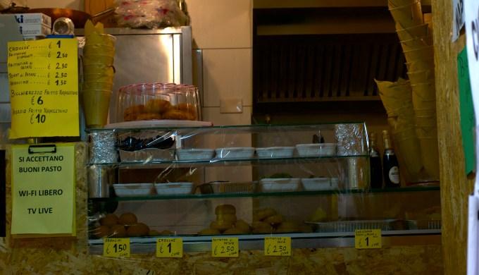 A friggitoria in Salerno