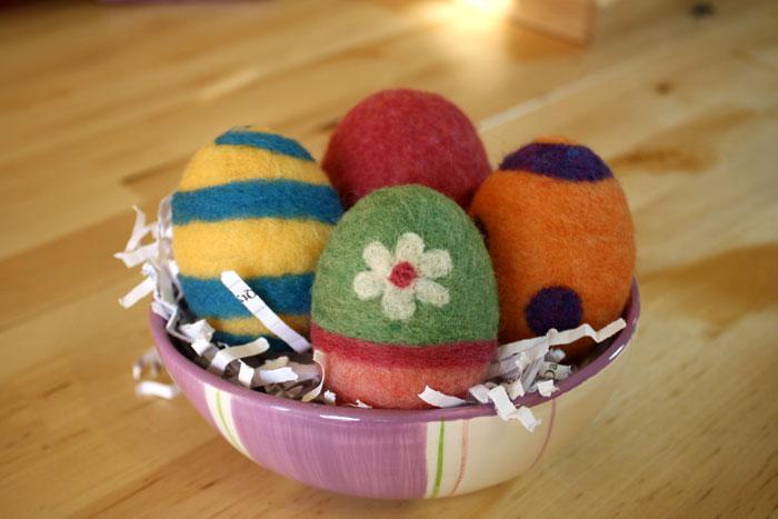 Needle felting easter eggs fun easy free felting - Needle felting design ideas ...