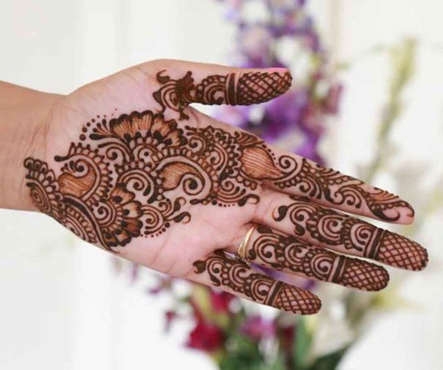 Perfect Mehndi Design for Palms