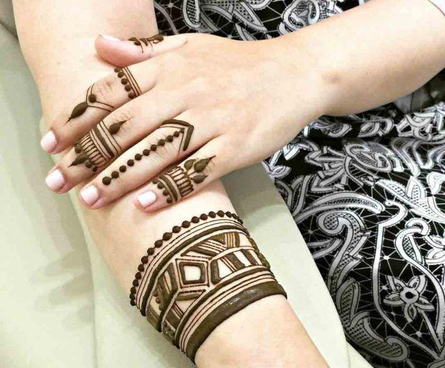 Superb Geometrical Henna Pattern