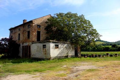 Brick farmhousesì