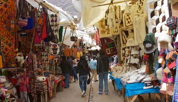 How to Successfully Barter in Cuzco Markets