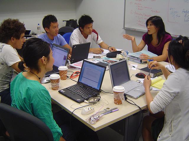 Resultado de imagem para work in singapore