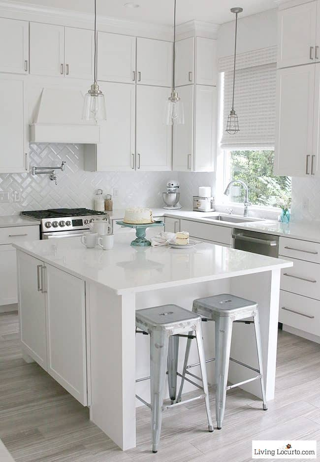 Farmhouse Kitchen Decorating Ideas | 10 Must-Haves for a ... on Farmhouse Kitchen Ideas  id=73995