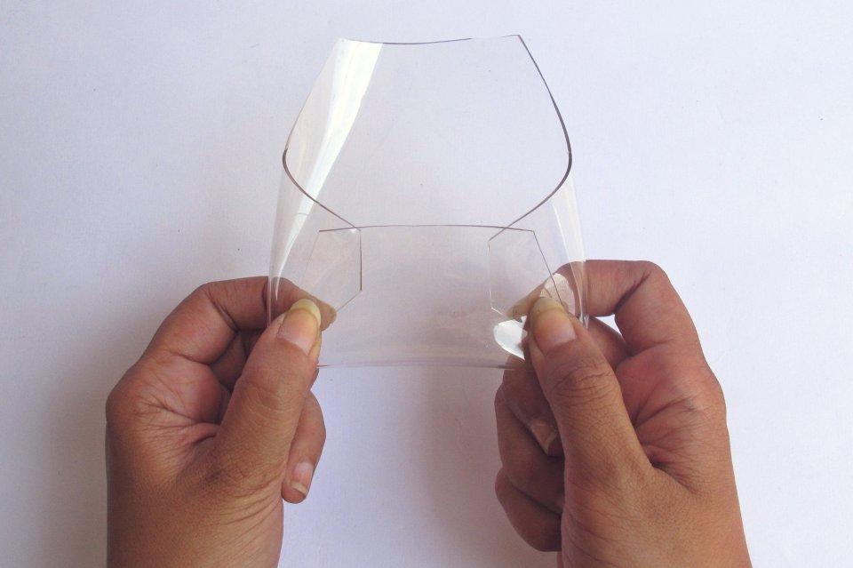 DIY-transparent-bizcard-holder-by-kitty-manu-livingloving-4