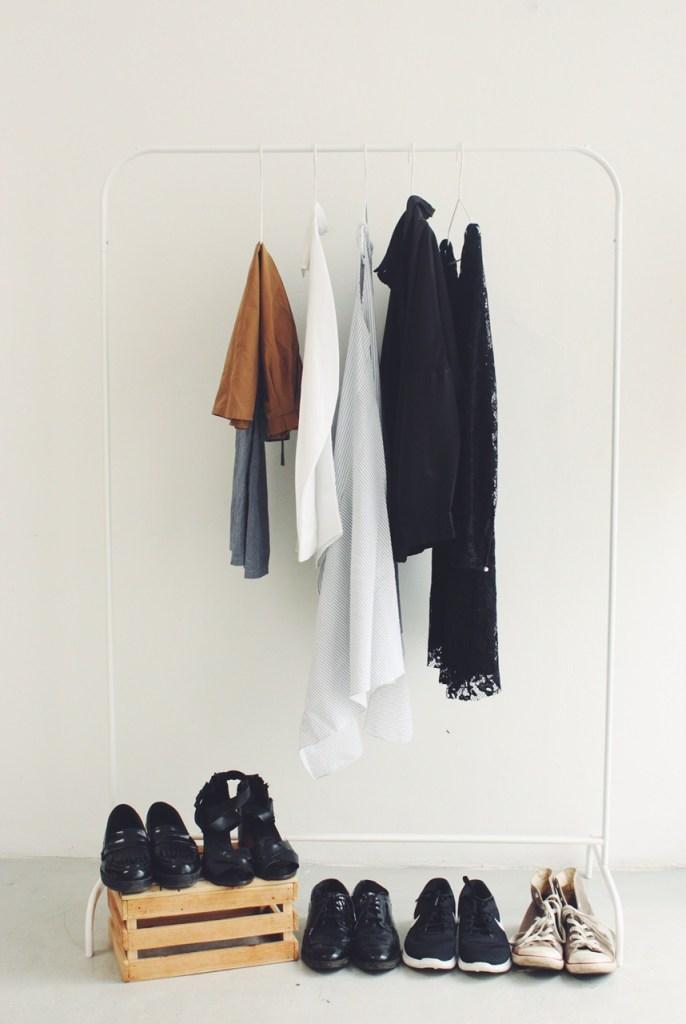 essential-capsule-wardrobe-nike-prima-