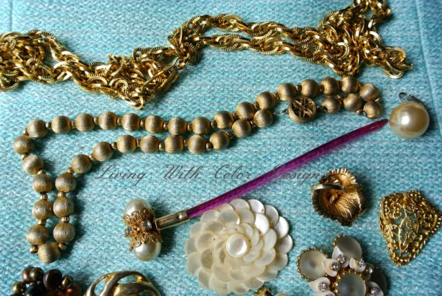 vintage chain belt and necklace livingwithcolordesigns.com