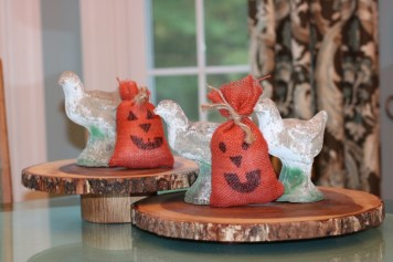 Chinoiserie Pumpkin: Living With Color Designs Blog- Burlap sack pumpkin fun