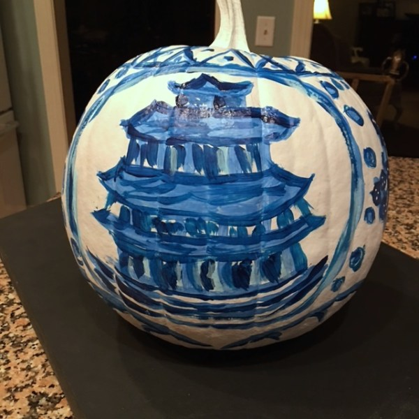 Chinoiserie Pumpkin: Living With Color Designs Blog- DIY Turntable and finished pumpkin