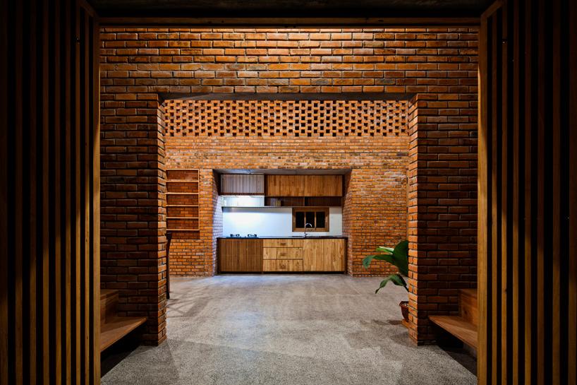 tropical-space-brick-termitary-house-da-nang-city-vietnam-designboom-07