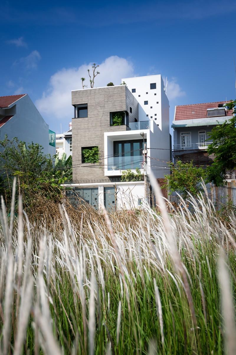 contemporary-house_030515_03-800x1200