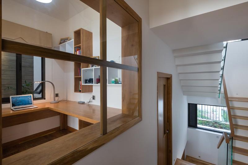 contemporary-house_030515_12-800x534
