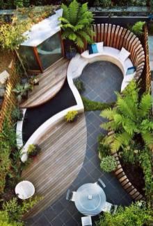 courtyard 21
